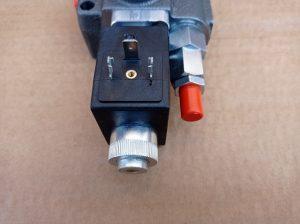 Rozvádzač jednosekčný 12V s elektromagnetmi