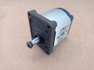 Zubový hydraulický motor Caproni